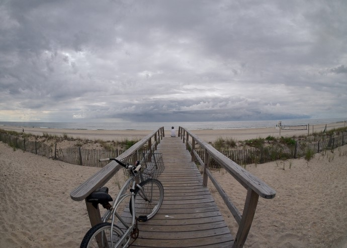 stormy skies (with bike and spoon)_